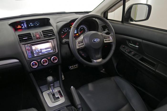 2014 Subaru XV G4-X 2.0i-S Suv Image 5