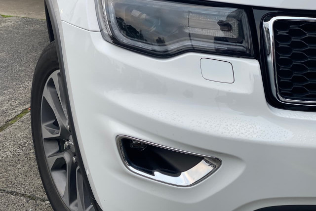 2018 Jeep Grand Cherokee Limited 2 of 20
