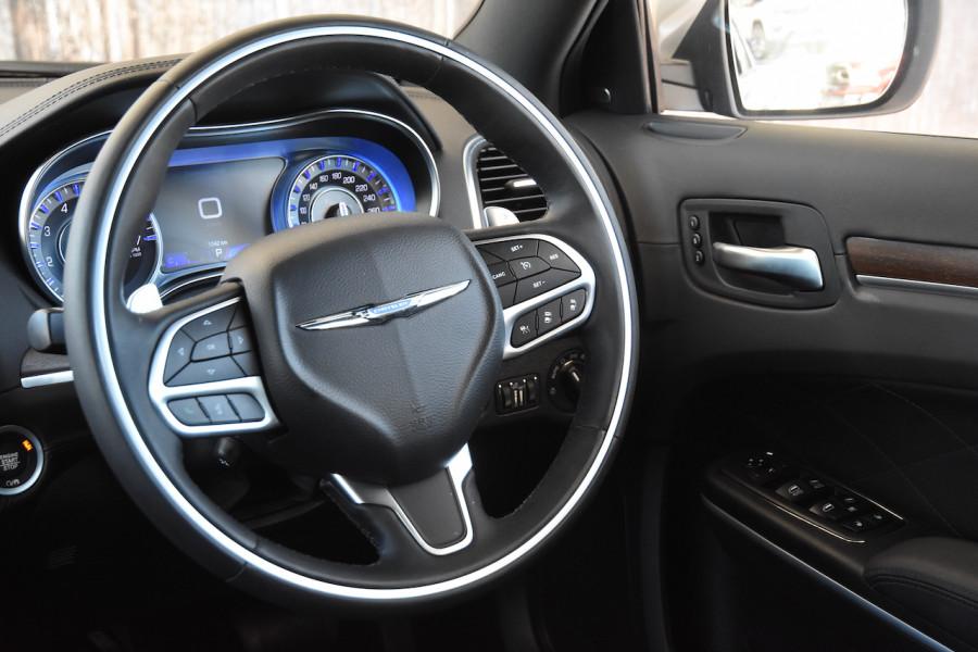 2019 Chrysler 300 LX C Luxury Sedan Image 9