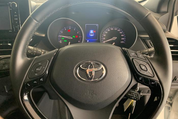 2019 Toyota C-hr NGX10R NGX10R Suv Image 13