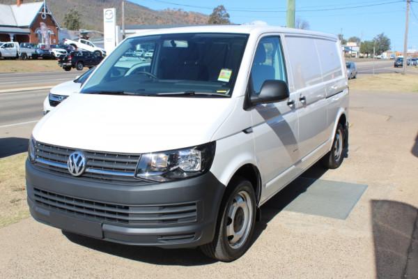2019 Volkswagen Transporter T6 LWB Crewvan Medium Roof Van Image 2