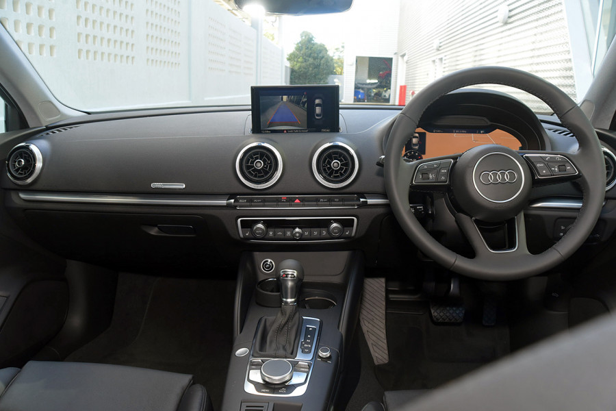 2019 Audi A3 40 S-line 2.0L TFSI S-tronic 140kW Sedan Mobile Image 9