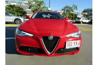2017 Alfa Romeo Giulia Super Sedan Image 2