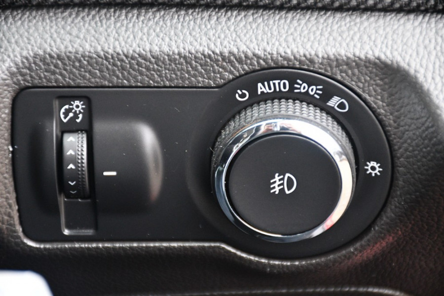 2014 Holden Cruze Vehicle Description. JH  II MY14 EQUIPE SED 4DR SA 6SP 1.8I Equipe Sedan Image 17