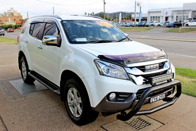 2015 Isuzu Ute MU-X LS-T Wagon Image 4