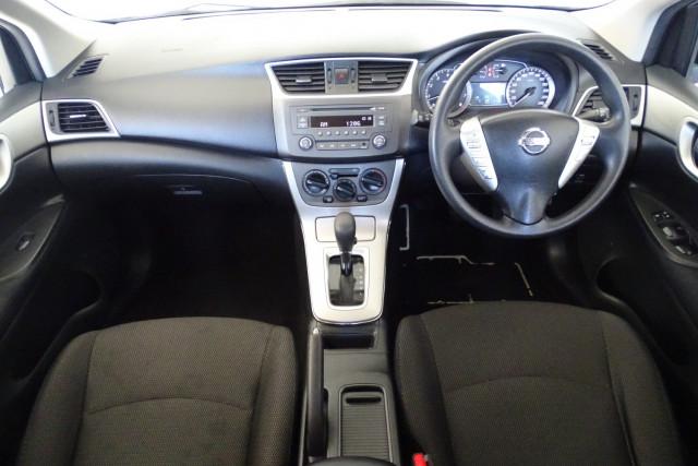 2014 Nissan Pulsar Hatch ST 17 of 29