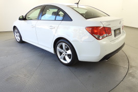 2014 Holden Cruze Vehicle Description. JH  II MY14 SRI-V SEDAN 4DR SA 6SP 1.6T SRi-V Sedan Image 4