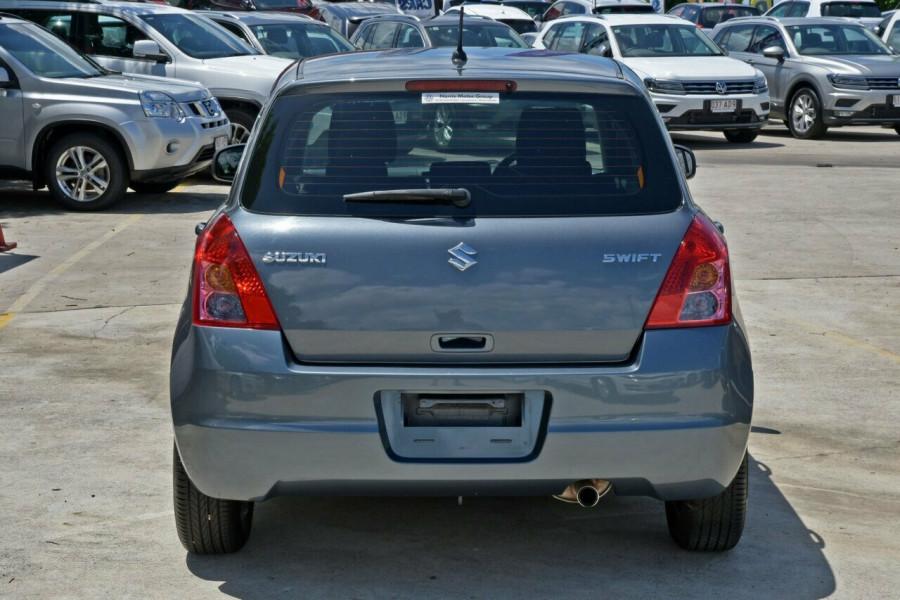 2009 Suzuki Swift RS415 GLX Hatchback Image 5