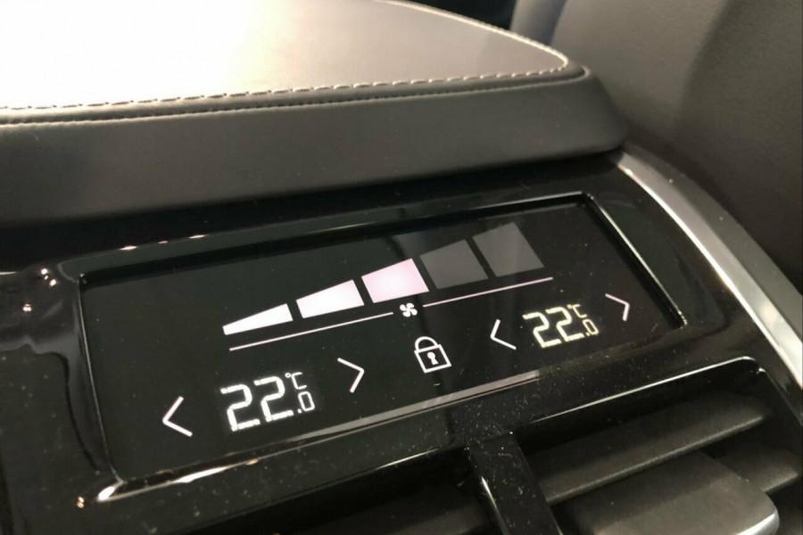 2019 Volvo XC90 L Series T6 Inscription (AWD) Suv Mobile Image 12