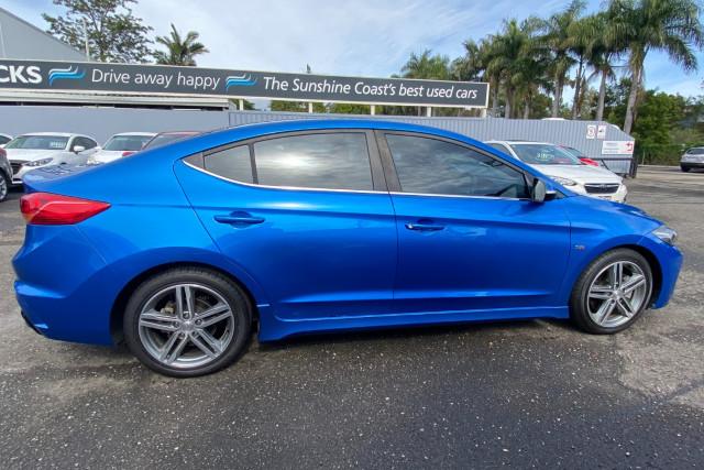 2016 MY17 Hyundai Elantra AD  SR Turbo Sedan Image 2