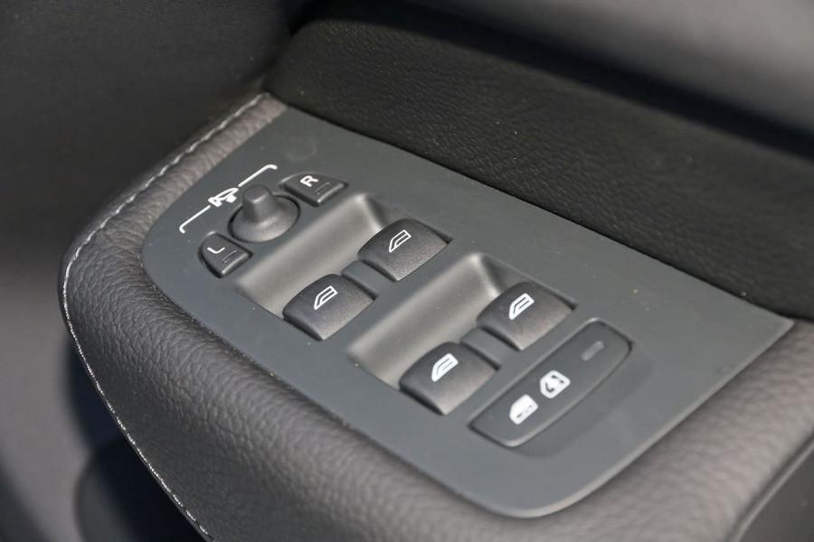 2019 Volvo XC60 UZ D4 Inscription Suv Image 22