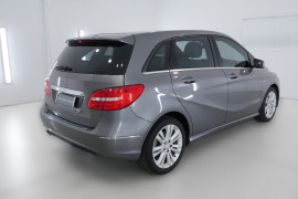 2012 Mercedes-Benz B200 W246 B200 BlueEFFICIENCY Hatchback Image 2