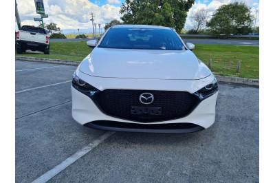 2019 Mazda 3 BP Series G20 Evolve Hatchback Image 2