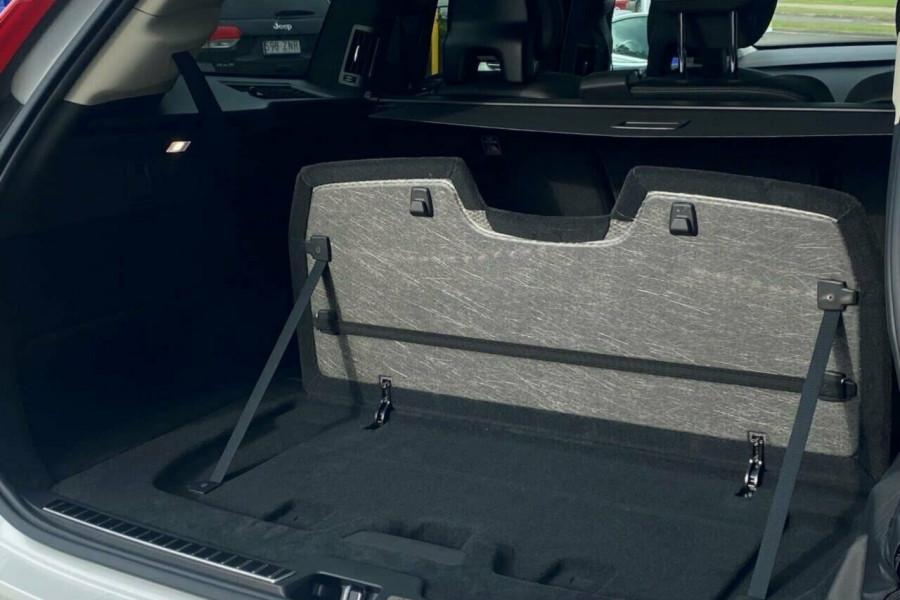 2021 Volvo XC90 L Series T6 Momentum Suv Image 13