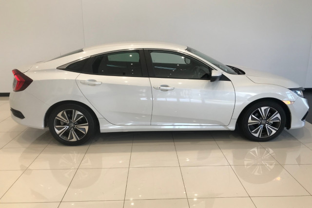 2019 Honda Civic Sedan 10th Gen VTi-L Sedan Image 4