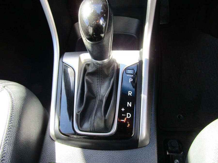 2013 MY14 Hyundai i30 GD2 Premium Hatchback Image 16