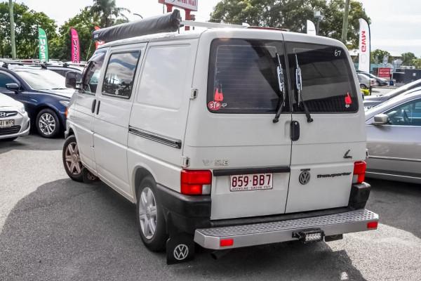 1995 Volkswagen Transporter T4 Van Image 2