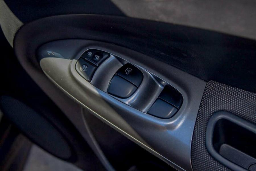 2014 Nissan Juke F15 ST (FWD) Suv Image 16