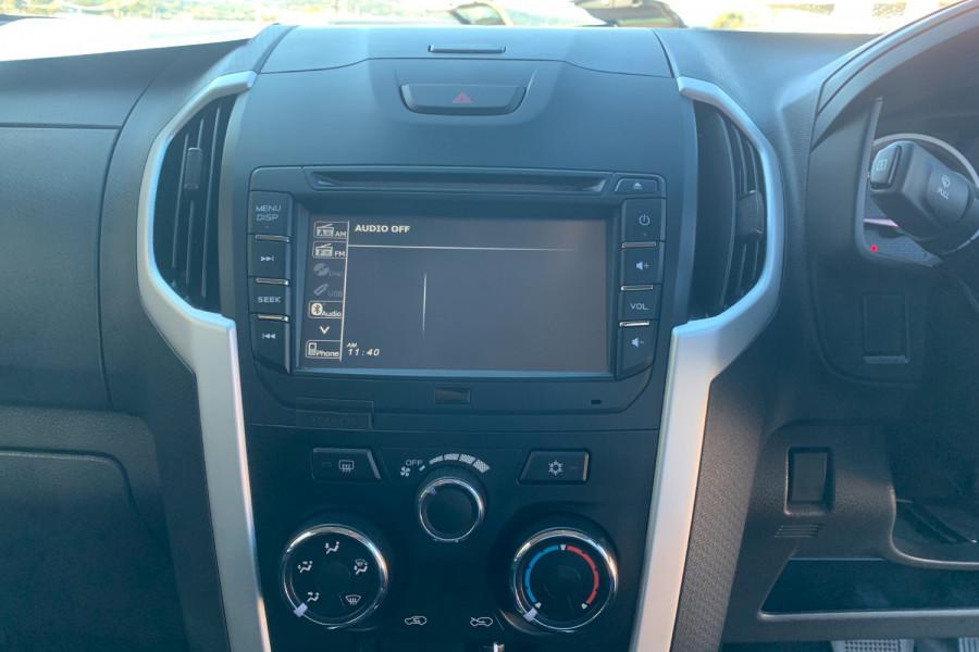 2017 Isuzu UTE D-MAX 4x4 LS-M Crew Cab Ute Dual cab Image 16