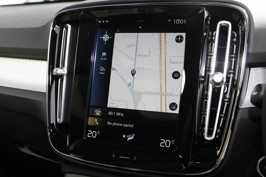 2019 Volvo XC40 T4 Momentum Suv Mobile Image 13