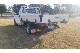 2014 Toyota HiLux KUN16R Turbo Workmate Cab chassis Image 5