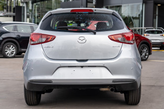 2020 Mazda 2 Hatchback Image 5