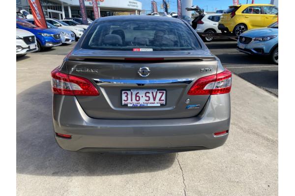 2012 Nissa Pulsar B17 STL Sedan Image 5