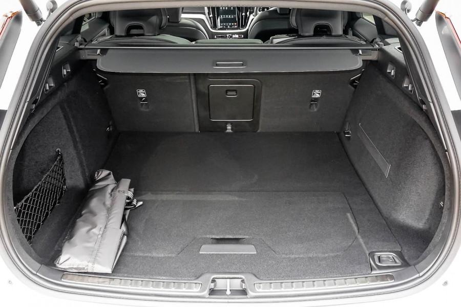 2019 MY20 Volvo V60 F-Series T5 R-Design Wagon Image 17