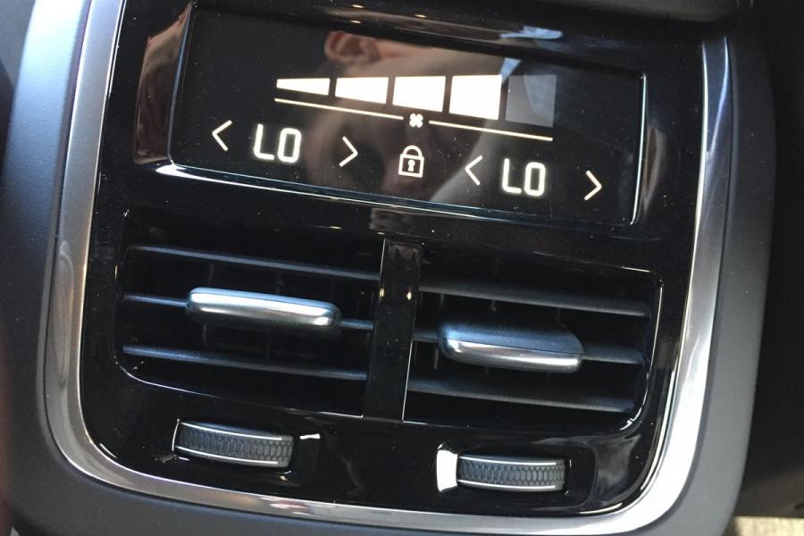 2019 Volvo XC60 UZ D5 R-Design Suv Image 19