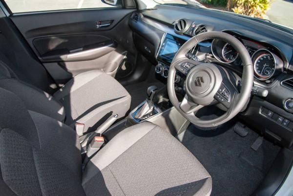 2020 Suzuki Swift AZ GLX Turbo Hatchback image 6