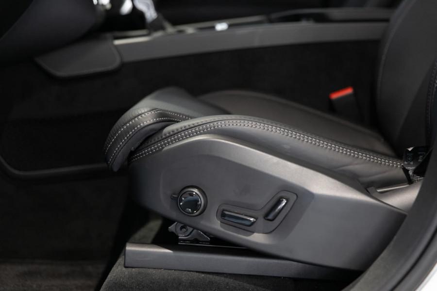 2020 MY21 Volvo XC90 L Series T6 R-Design Suv Image 16