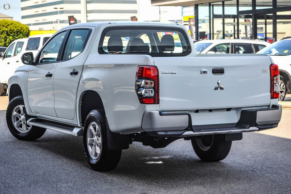 2018 MY19 Mitsubishi Triton MR GLX Plus Double Cab Pick Up 4WD Cab chassis