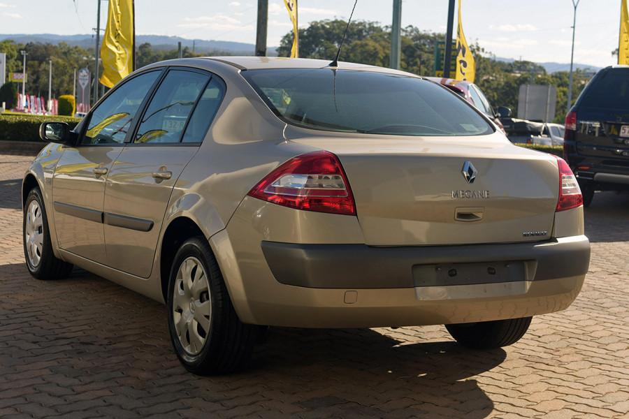 2006 Renault Megane II L84 Expression Sedan Mobile Image 6
