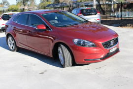 Volvo V40 T4 Luxury (No Series) MY14