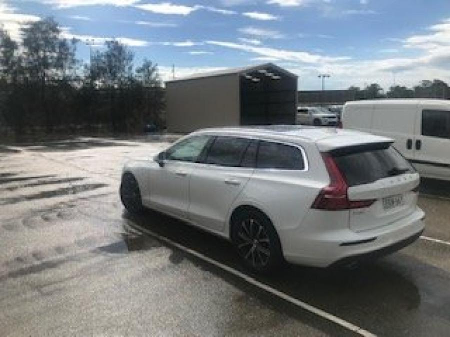2020 Volvo V60 F-Series T5 Momentum Wagon Image 1