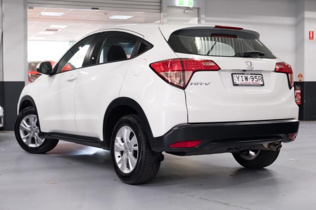 2015 Honda HR-V VTi Hatchback Image 2