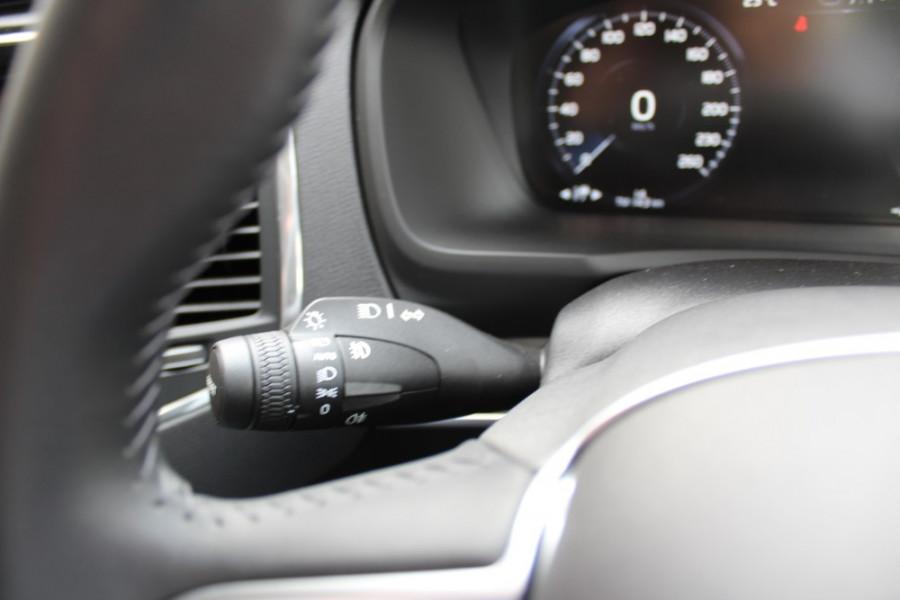 2019 MY20 Volvo XC90 L Series T6 Momentum Suv Mobile Image 14