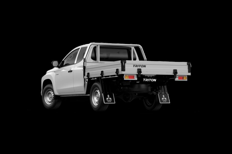 2021 Mitsubishi Triton MR GLX Club Cab Chassis 4WD Cab chassis