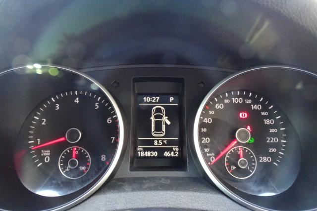 2010 Volkswagen Golf GTI 9 of 24