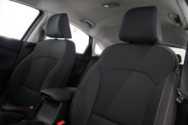 2019 MY20 Kia Cerato Hatch BD S with Safety Pack Hatchback Image 3