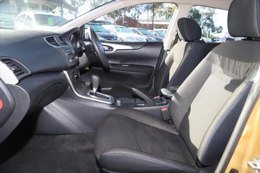 2014 Nissan Pulsar C12 ST Hatchback Image 10