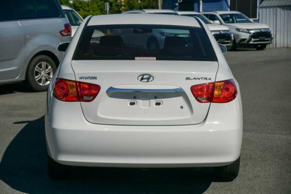 2009 Hyundai Elantra HD SX Sedan Image 4