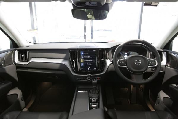 2019 Volvo XC60 UZ D4 Momentum Suv Image 5