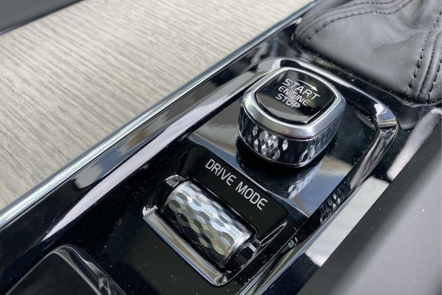 2020 Volvo XC60 UZ D4 Inscription Suv Mobile Image 6