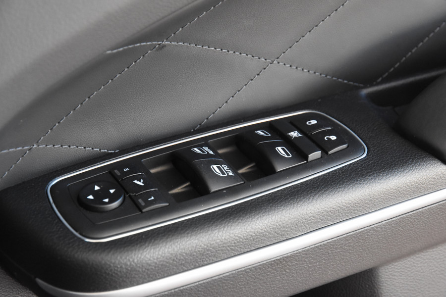 2019 Chrysler 300 LX C Luxury Sedan Image 18