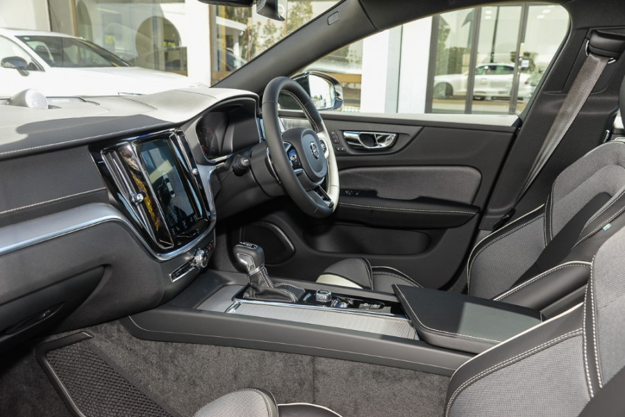 2019 MY20 Volvo S60 Z Series T5 R-Design Sedan Mobile Image 7