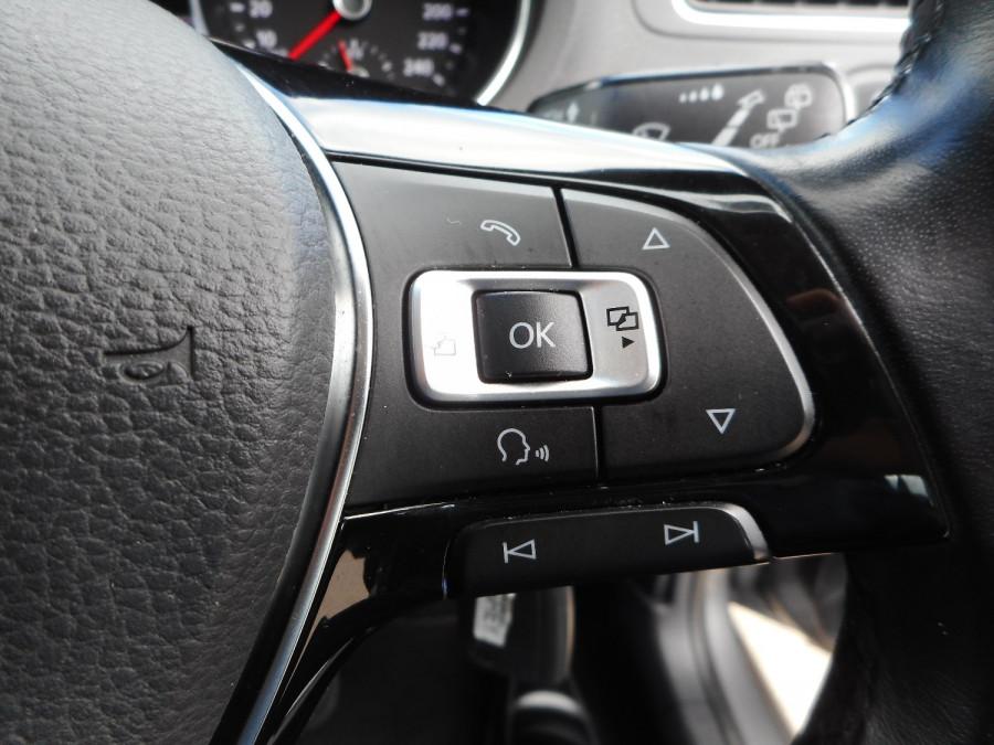 2015 Volkswagen Polo Hatchback Image 20