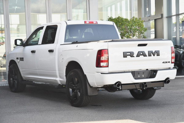 2020 Ram 1500 (No Series) Express RamBox Utility crew cab Image 3