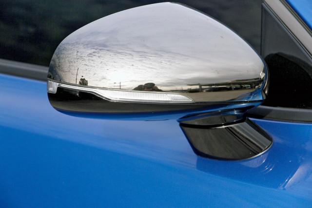 2017 Kia Stinger CK MY18 330Si Sedan Image 15