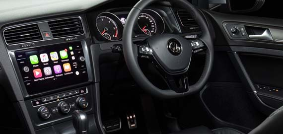 Golf Alltrack Wide open space, inside